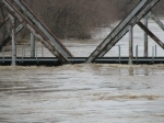 Closeup of the floodwaters at the BNSF (BN, SLSF) Bridge on the Cuba Sub