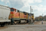 BNSF 8716 and BNSF 577