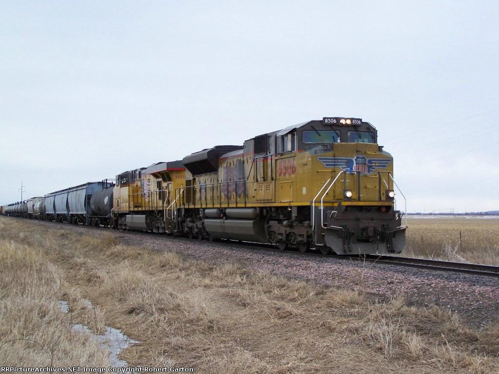 UP 8506 & UP 5551 Northbound