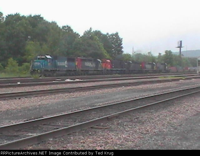 Southbound NYS&W freight SU-100