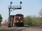 080524043 Eastbound BNSF stack train passing ex-NP signals