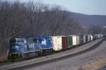 Conrail SD-60M 5526 leads an ALPI (Allentown-Pittsburgh) along the Juniata River