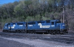 A pair of Conrail EMD GP-40-2s move thru the yard on the way to pick up ALCA (Allentown-Camden)