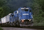 Conrail's TrailVan-11 (TV-11) is coming at you behind EMD SD-40-2 6424