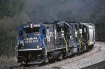 Norfolk Southern B-23-7 4052 leads a westbound mixed freight