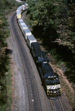 Norfolk Southern GE C-40-9W 9366 winds it's way west thru the Pennsylvania counryside