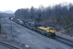 New York, Susquehanna & Western GE B-40-8 4004 heads an RPPY (Rouses Point-Potomac yard)