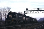 Penn-Central EMD GP-38 7841 roars west toward Altoona