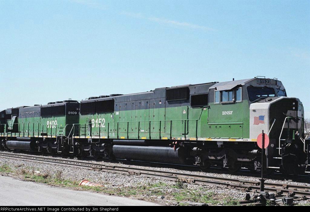 BNSF 8152