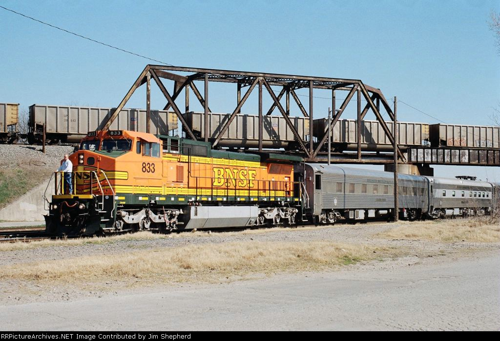 BNSF 833