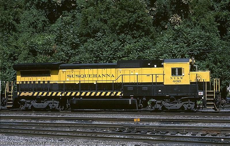 New York, Susquehanna & Western GE B-40-8 4010