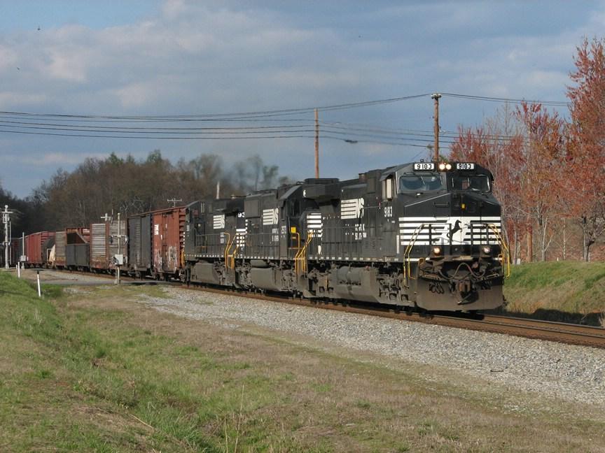 Mar 26, 2006 - NS 9183 leads train 173