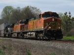 Apr 2, 2006 - BNSF 5286 leads NS train 214