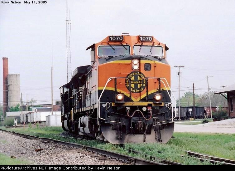 BNSF 1070 CW44-9