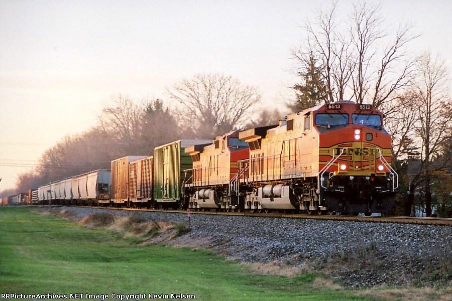 BNSF 5513 CW44-9