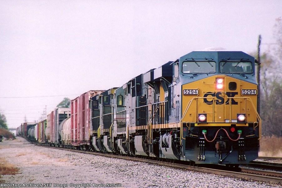CSX 5294 ES44DC