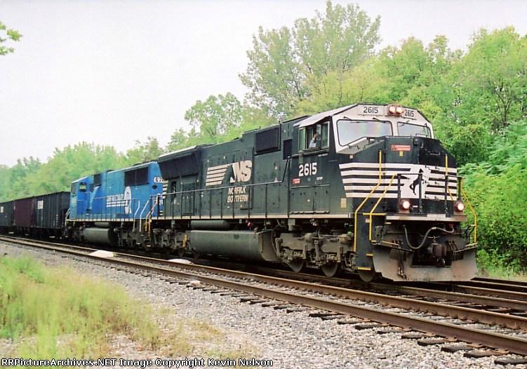 NS 2615 SD-70M