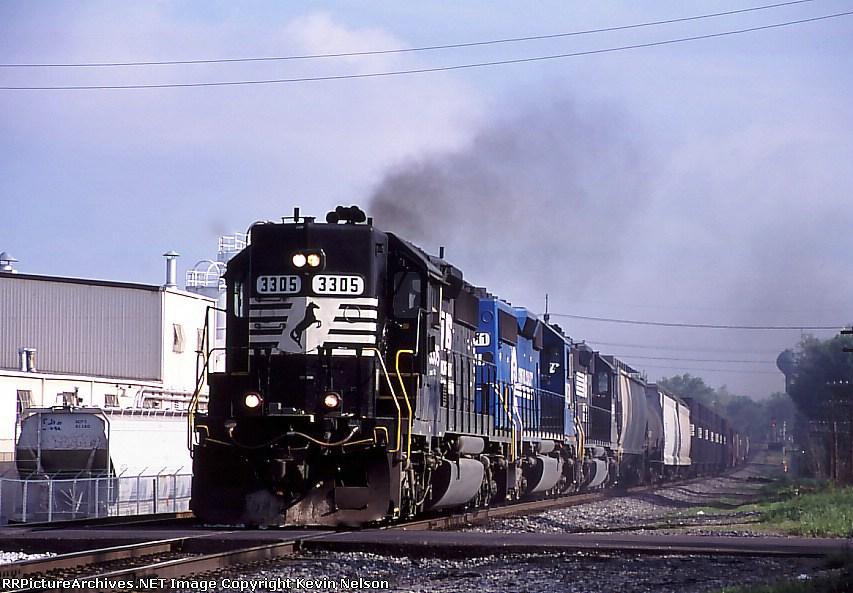 NS 3305 SD-40-2