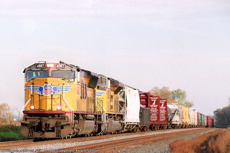 UP 4887 SD-70M