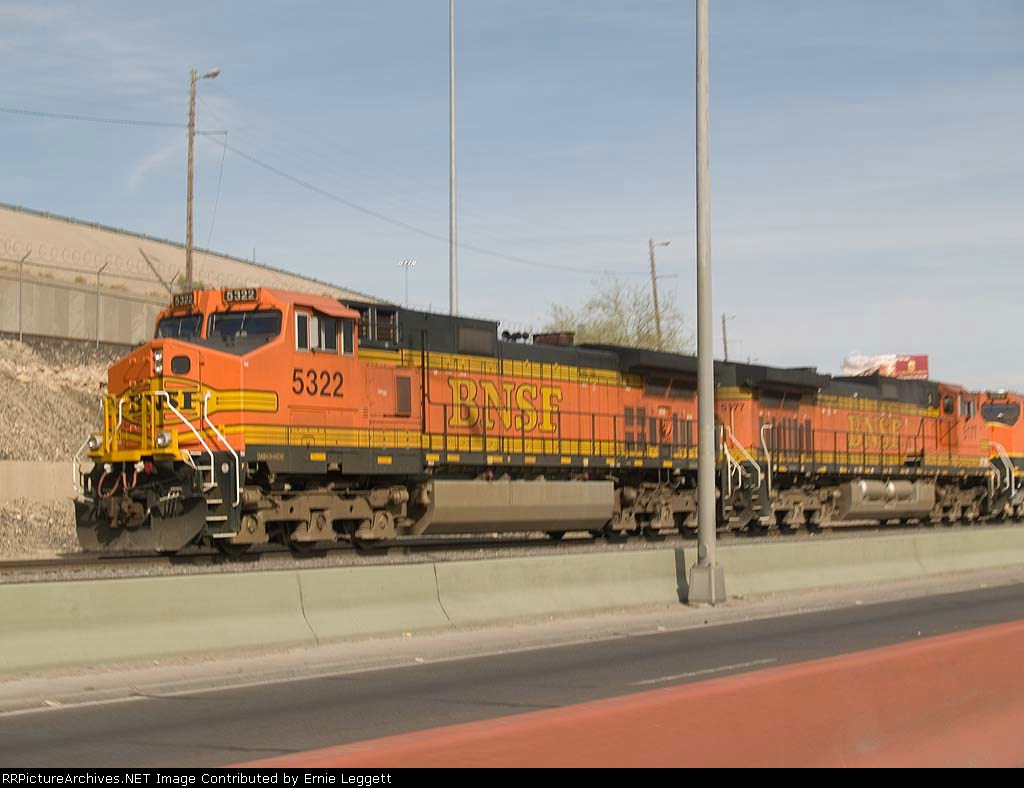 BNSF 5322 leads an EB manifest at 4:12pm