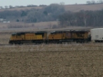 UP 4085 Leads UP 5493 EB With A Manifest