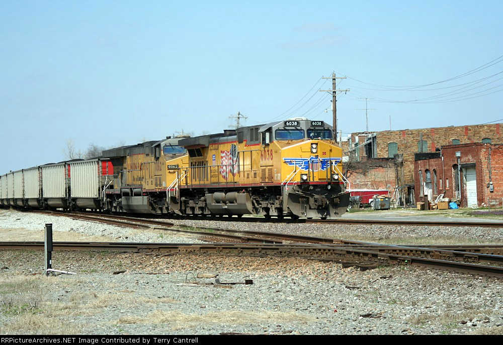 UP 6038 switching over from Cherokee sub south to Coffeyville sub south
