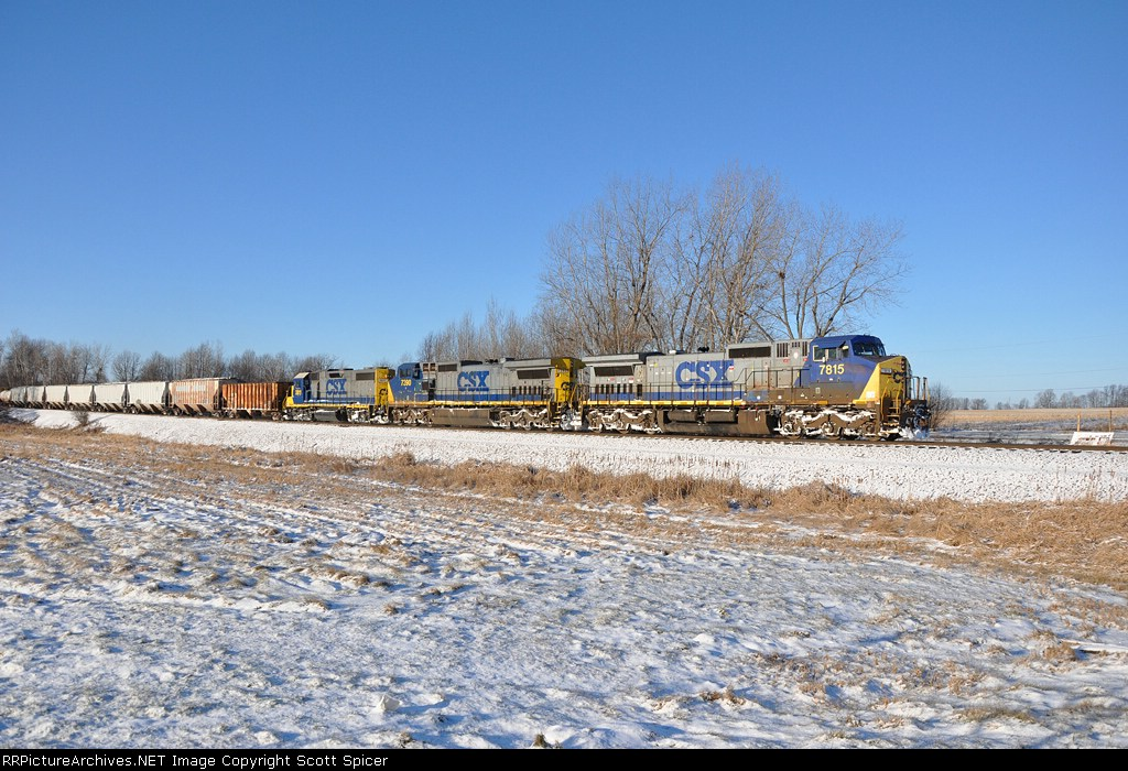 Q621-07 Heading North on the St. Lawrence Subdivision