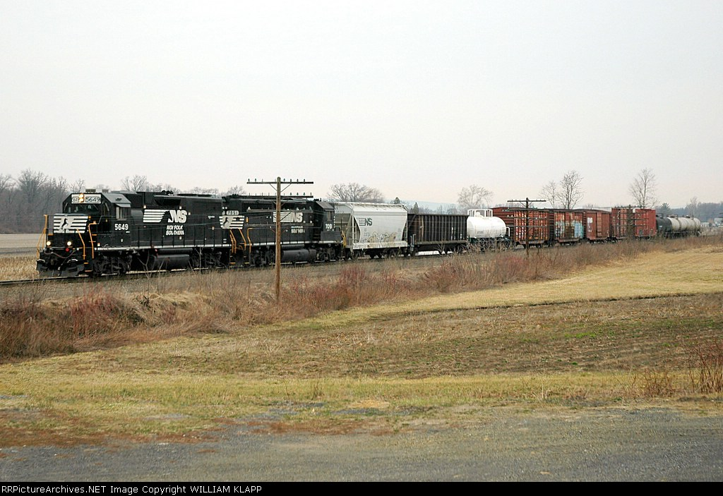 NS H3W southbound on NS Buffalo Line