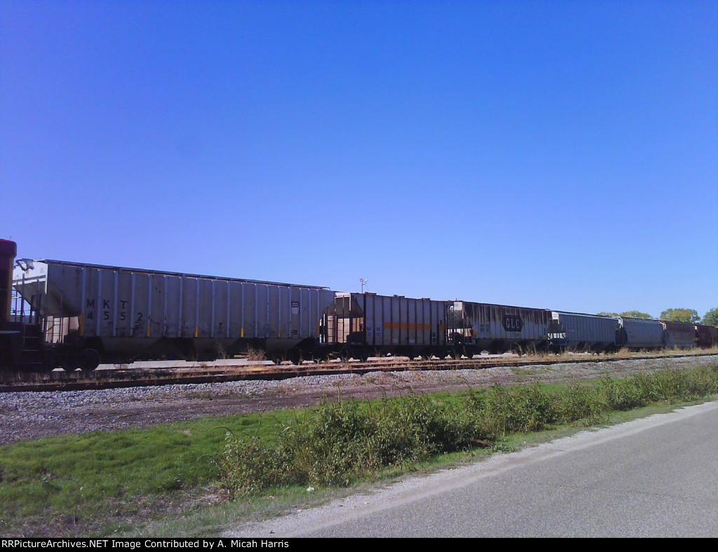 Hoppers in the ex-Rock Yard Shawnee