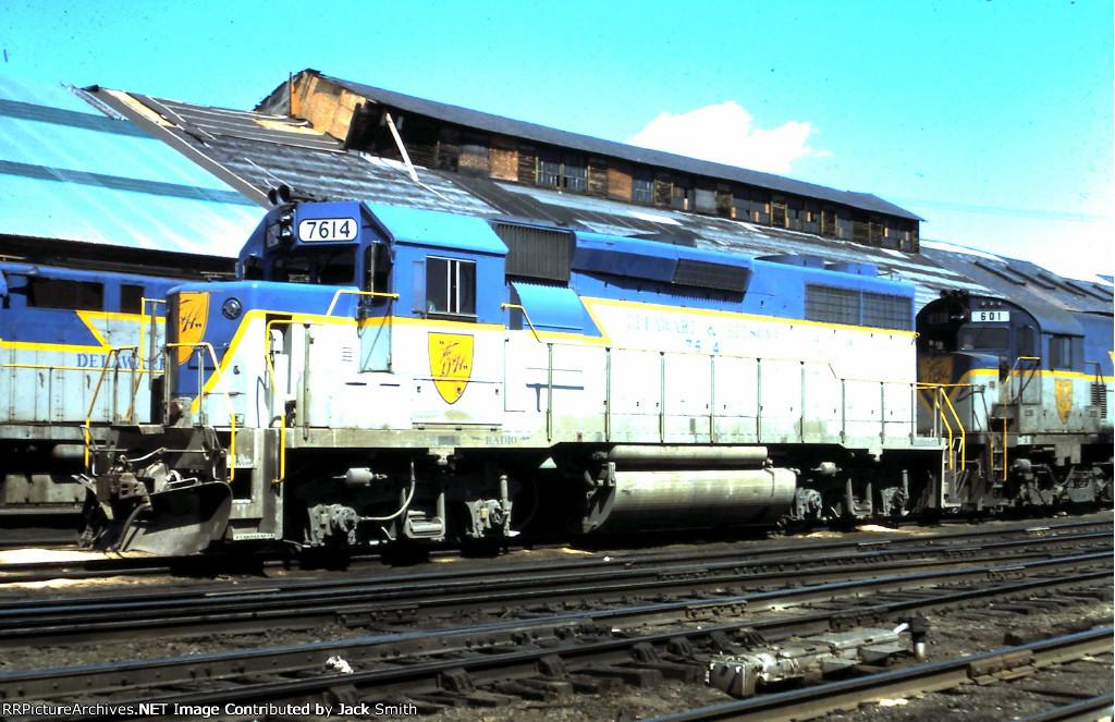 DH 7614