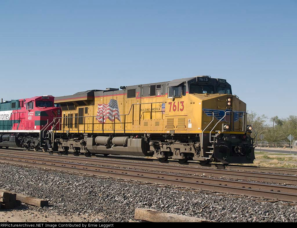 UP 7613 leads an EB manifest (QWCEW - West Colton - Englewood) in switching activity at 4:25pm
