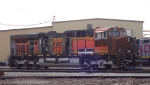 BNSF 5942 with serious bodywork