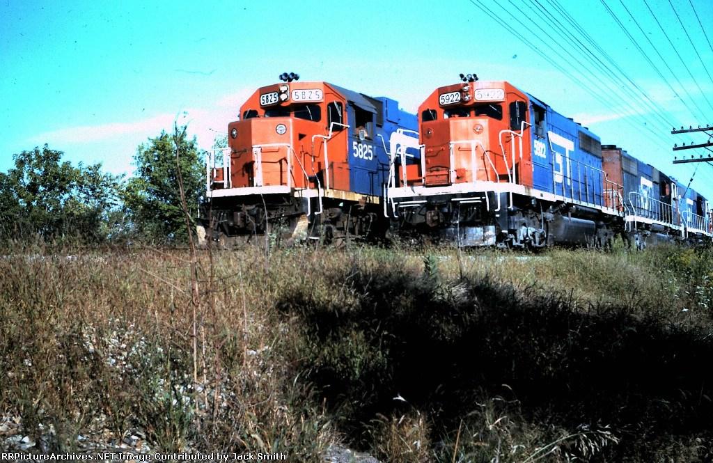 GTW 5922 & 5825