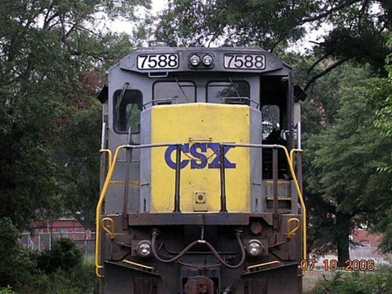 CSX Yellow Nose Gray Painted GE C40-8 7588