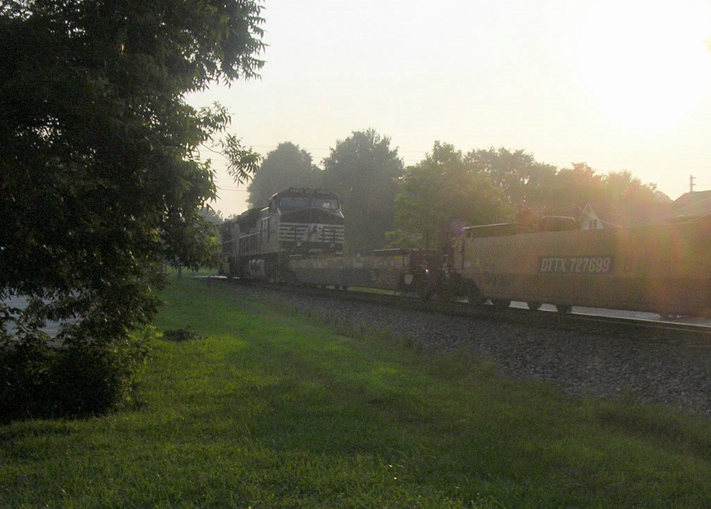 An NS GE CW40-9 Trails on a Northbound Intermodal