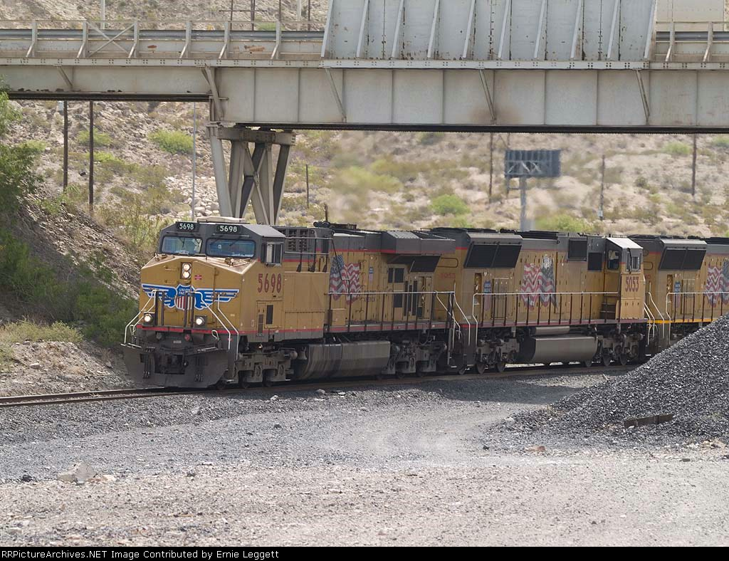 UP 5698 leads a WB doublestack at 11:17am