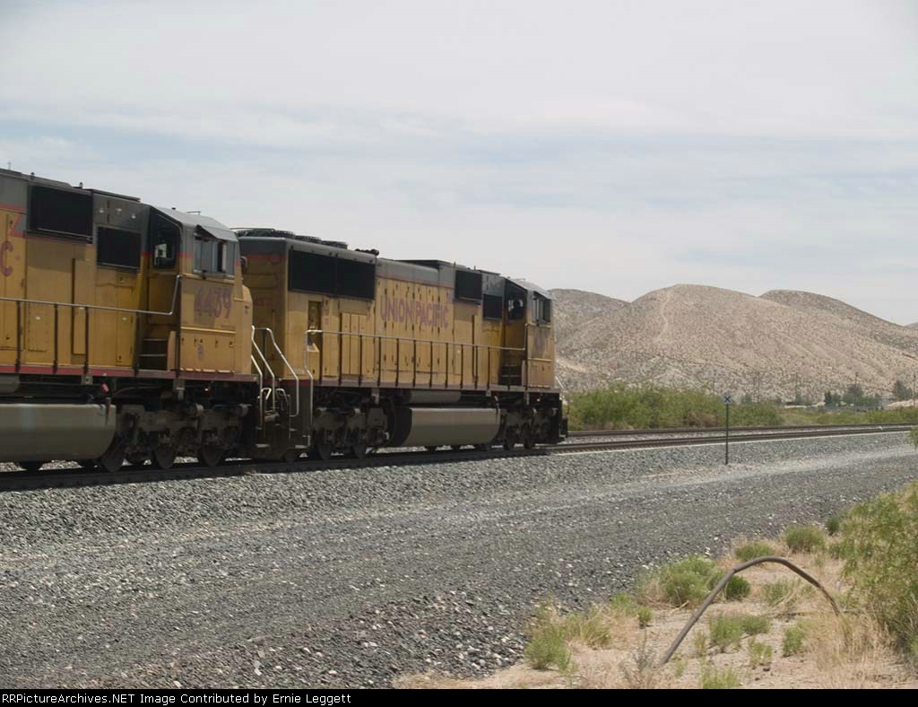 UP 4571 leads an EB doublestack at 12:28pm