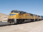 UP 4063 leads an EB doublestack IGSDIX - GGS, San Pedro - Dallas intermodal - at 10:42am