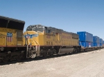 UP 4511 #3 power in an EB doublestack IGSDIX - GGS, San Pedro - Dallas intermodal - at 10:42am