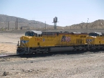 UP 7862 leads a WB doublestack IEWLB Englewood - Long Beach - at 10:59am
