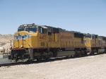 UP 4405 leads an EB doublestack ILBNO Long Beach - New Orleans at 11:55am