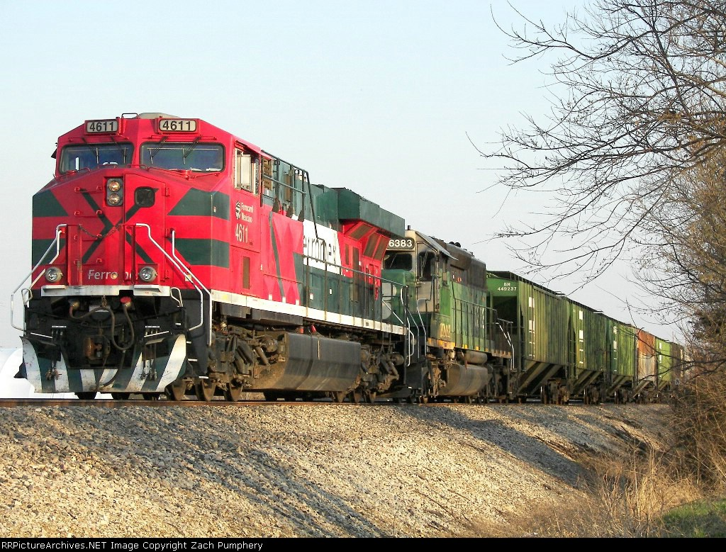 Stopped Northbound BNSF Empty Grain Train