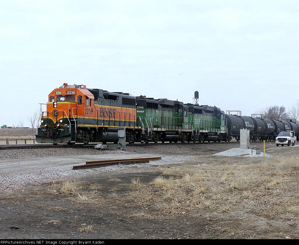 BNSF 2216