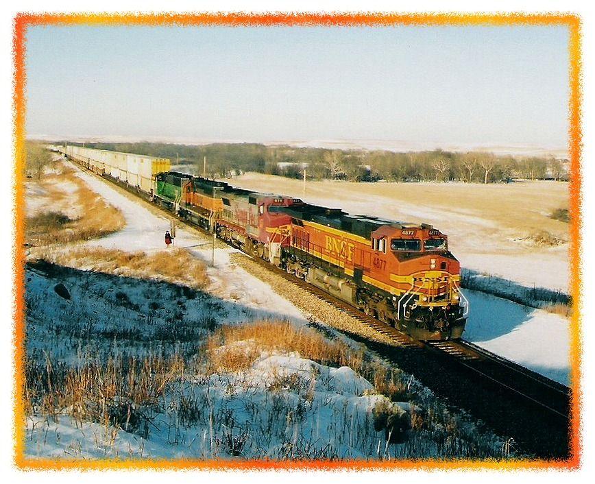 BNSF 4877 west