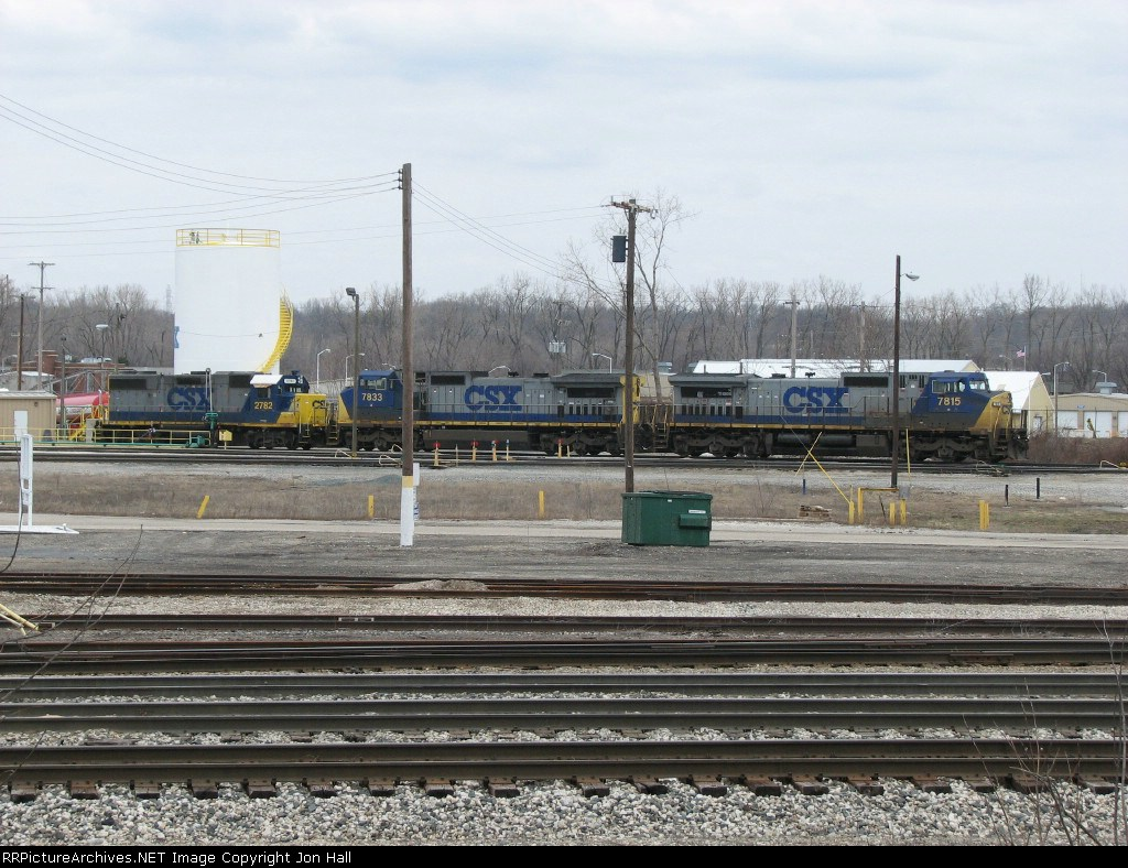 CSX 7815, 7833 & 2782 waiting to depart on Q326-04