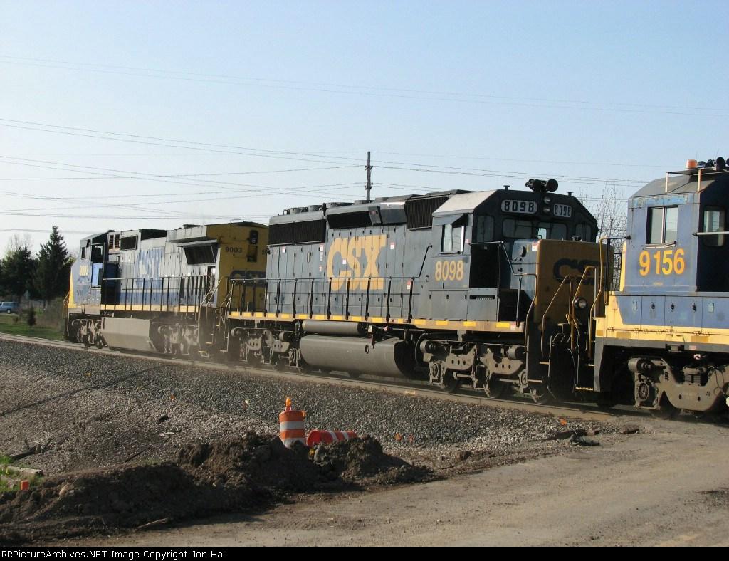 CSX 8098 & 9003