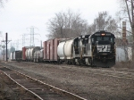 36E rolls northward past the south end of the Fisher Body yard