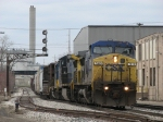 CSX 7815 leading Q326-04 eastward under the Godfrey Ave signals