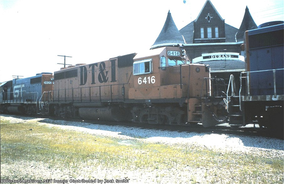 GT 6416 in front of the Durand depot