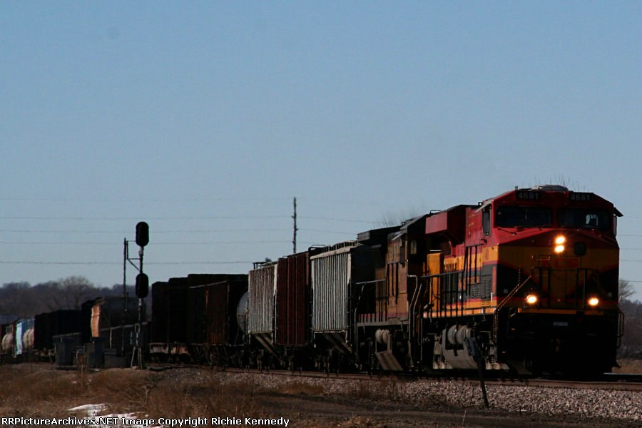Kansas City Southern ES44AC 4681 and Union Pacific C40-8 9305 take the point of an eatbound.